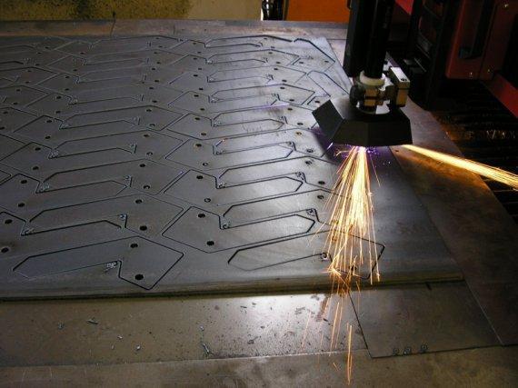 Steel sheet 10 mm - cutting speed 2.5 m / min