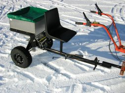 RVK 200 - VARES TRAILER SPREADER for CULTIVATORS and MULCHERS